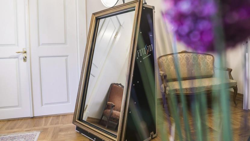 Fotopeegel ehk magic mirror
