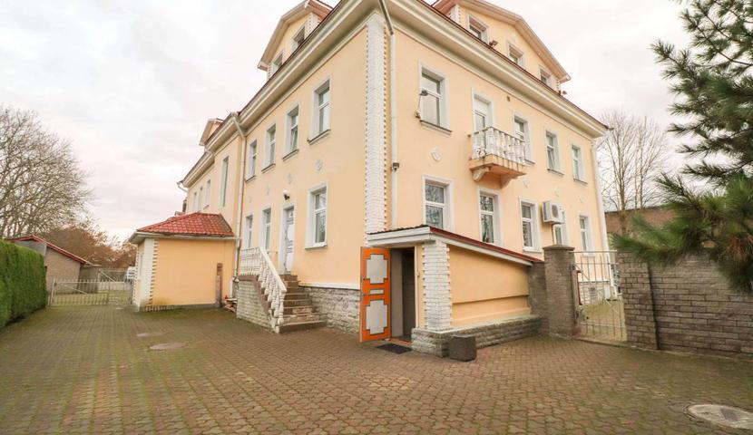 Villa Leonard