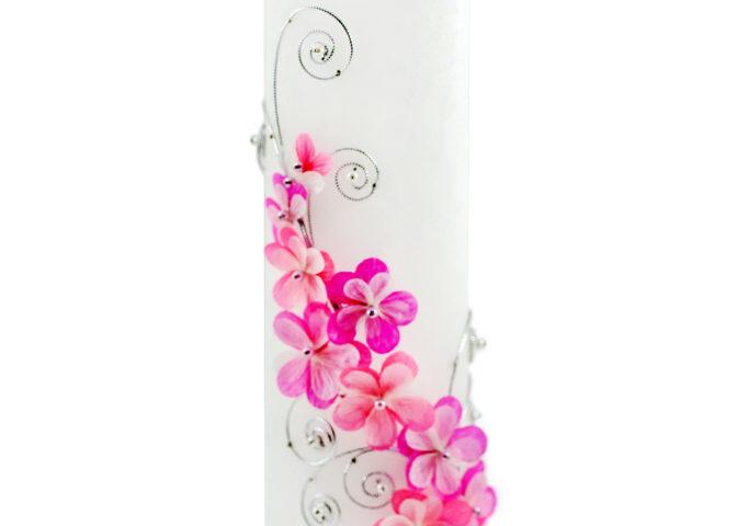 Võhma Valgusevabriku käsitsi valatud pulmaküünal 3D tehnikas roosade lillede, pärlite ja hõbedase paelaga