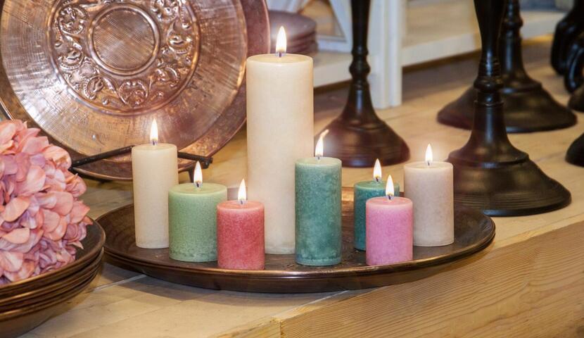 Võhma Valgusevabriku lõhnaga ja lõhnata lauaküünlad lai värvivalik