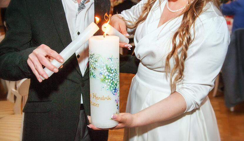 Võhma Valgusevabriku tseremooniaküünlad, erilised pulmaküünlad ღ kingitused vanematele ja külalistele ღ tseremooniaküünlad ღ lauakunistused