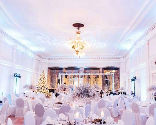 Elegantne pulmapidu Mustpeade maja Valges saalis